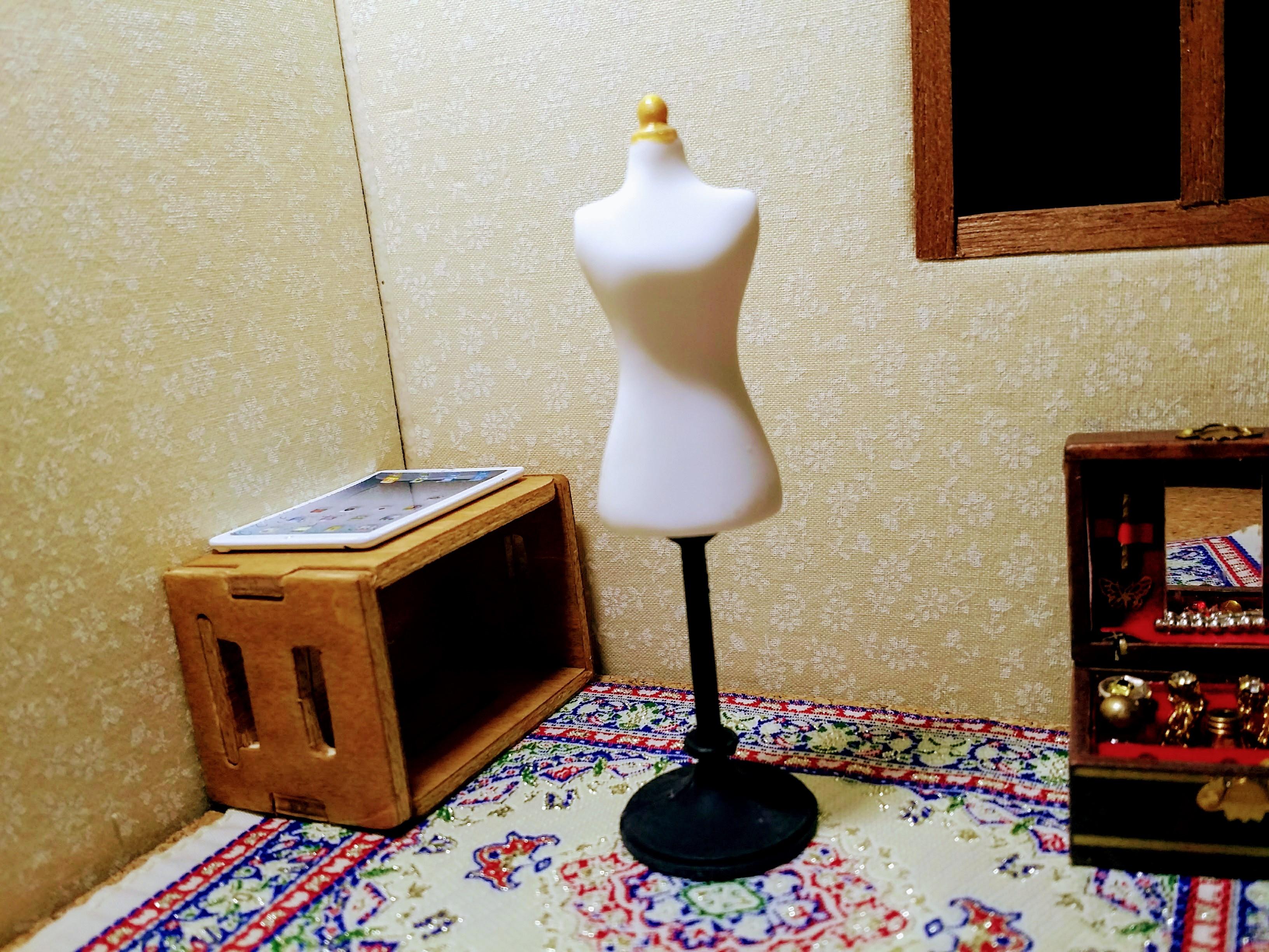 ミニチュア雑貨通販「服スタンド」