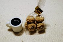 ミニチュアクッキーとコーヒー